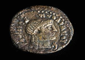 بالصور- اكتشافات أثرية جديدة في الإسكندرية عن الملكة كليوباترا