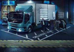 """صور- """"فولفو"""" تنتج أول شاحنة كهربائية في العالم"""