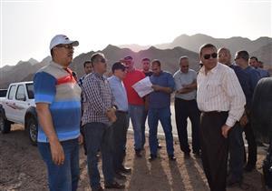 """لجنة من """"تطوير العشوائيات"""" تتفقد أعمال الحماية من السيول في نويبع"""