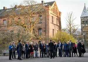 اجتماع غير رسمي لمجلس الأمن المنقسم  في مزرعة سويدية نائية