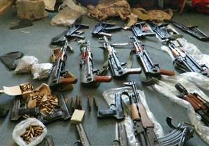 ضبط 33 سلاحاً نارياً وورشة لتصنيع الأسلحة خلال مداهمة البؤر الإجرامية بسوهاج