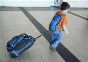 """لا يحب كلمة """"لأ"""".. طفل يخدع أمه ويسافر إلى إندونيسيا"""