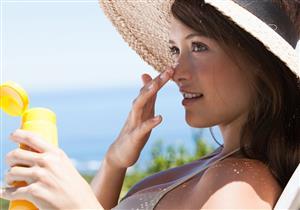 5 نصائح للعناية بالبشرة في الصيف.. (فيديوجراف)
