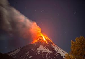 "تحذير من إمكانية ثوران بركان ""كوساتسو - شيران"" باليابان"