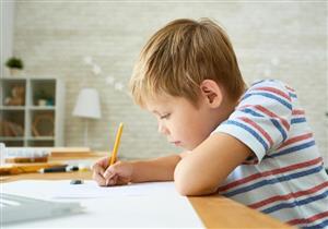 """قبل الامتحانات.. """"التعليم"""" توجه 9 نصائح للطلاب لتنظيم المذاكرة"""