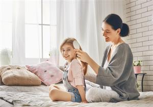 لتجنب تساقطه.. 6 نصائح للعناية بشعر طفلك