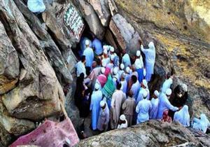 السعودية تحظر زيارة المعتمرين لجبل النور وغار حراء.. تعرف السبب