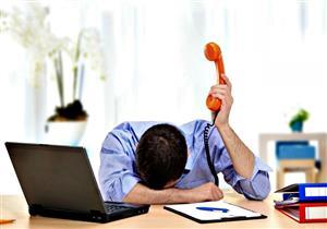 منها كثرة التكليفات.. 6 عوامل تهددك باكتئاب العمل