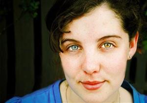 ما أسباب تباين لون العينين وكيف نتعامل معه؟