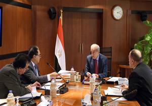 رئيس الوزراء يبحث دور الجامعات في منظومة التأمين الصحي الشامل