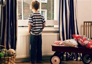 كيف يفكر الطفل بعد وفاة أحد والديه؟.. ساعده في تجاوز الأثر النفسي