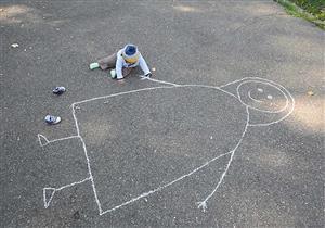 أطباء نفسيون: «يوم اليتيم» يضر بالصحة النفسية للأيتام