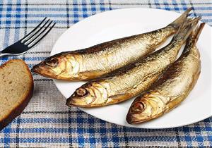 قبل شم «الفسيخ».. المسموح والممنوع في تناول الأسماك المملحة