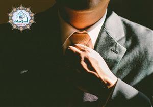 ما حكم ارتداء رابطة العنق الحريرية للرجال؟