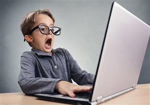 «فوبيا الكمبيوتر» مشكلة نفسية تضر العمل.. كيف يتم علاجها؟