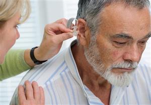 فقدان السمع يهدد المسنين بالاكتئاب والخرف!