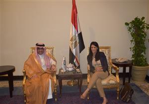 """""""المشاط"""" نبحث إحياء مبادرة الغردقة عاصمة السياحة العربية"""