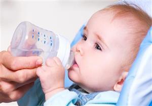 متى يمكن لرضيعك أن يشرب الماء؟