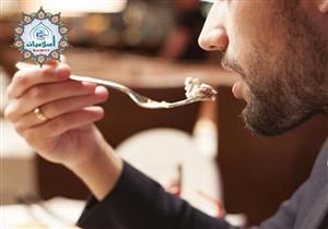 الأكل والشرب أثناء أذان الفجر هل يُبطل الصيام؟.. أمين الفتوى يجيب