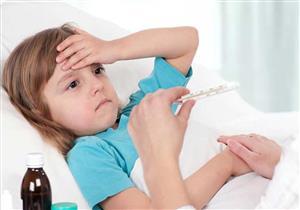 ما أسباب الإصابة بالحمى الشوكية وكيف تُعالج؟