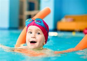 نظرة سريعة على وسائل تعليم السباحة للأطفال