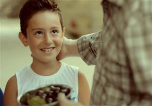 طفلك يصوم لأول مرة؟.. نصائح غذائية عليك اتباعها