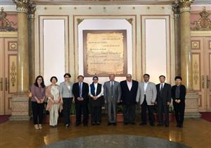 رئيس جامعة عين شمس يلتقي وفدا من مجموعة الناشرين الصينيين - صور