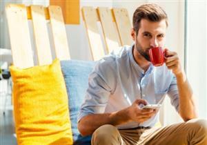 """بالصور- لعشاق القهوة.. """"اللاتية الأزرق"""" أحدث صيحات المشروبات"""