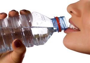 تناول الماء بكميات كبيرة على السحور يؤدي إلى نتائج عكسية.. والسبب