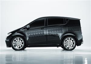 بالفيديو..شركة ألمانية تقدم سيارة كهربائية يمكنها شحن السيارات الأخرى