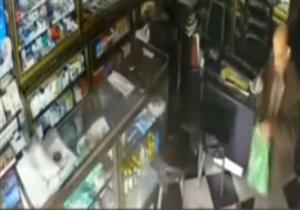 الإبراشي يعرض فيديو لسرقة محل في عين شمس أول أيام رمضان