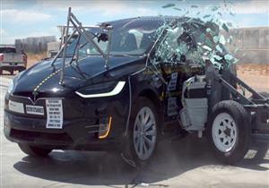 بشهادة الوطنية للسلامة.. تيسلا موديل X سيارة غير قابلة للانقلاب (فيديو)