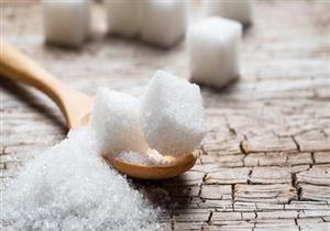 ماذا يحدث في جسمك عند التوقف عن تناول السكر؟ (فيديوجرافيك)