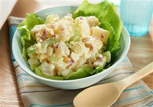 سلطة البطاطس طبق صحي وشهي على مائدتك