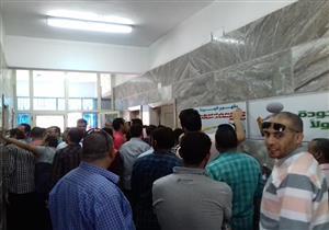 بالصور- إقبال كثيف على انتخابات اللجنة النقابية لشركة المياه قبل غلق باب التصويت