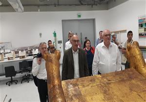 زعيم الأغلبية في البرلمان الألماني يزور المتحف المصري الكبير