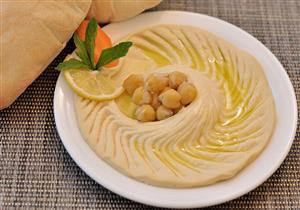 سلطة الحمص تنظم الهضم وتقوي القلب.. لذيذة لإفطار اليوم