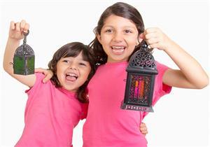 فيديو.. عمرو خالد: 7 خطوات تُحبّبين بها أطفالك في رمضان