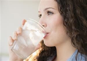 الإكثار من شرب المياه في رمضان له مخاطر صحية