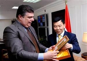 """رئيس """"الوطنية للإعلام"""" يطالب بتفعيل التعاون مع الصين"""