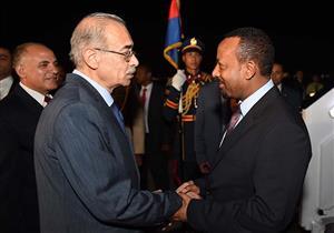 بالصور .. شريف إسماعيل يستقبل رئيس وزراء اثيوبيا
