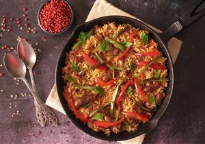 أرز بالسجق.. وجبة لذيذة وصحية لإفطار اليوم