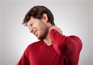 متى يستدعي ديسك الرقبة التدخل الجراحي؟