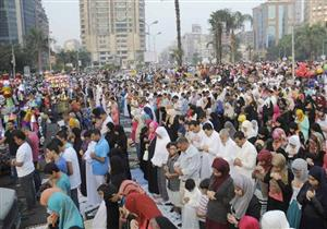 الأزهر يوضح حكم اختلاط الرجال والنساء في صلاة العيد