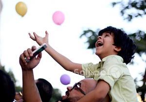 """فرحتهم بعيون مصراوي.. ابني وابنك بيقولوا: """"كتر يا رب في أعيادنا"""""""