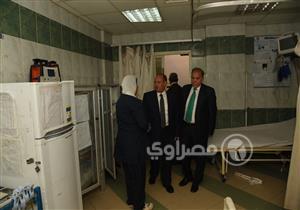 بالصور- محافظ الإسكندرية يتفقد مستشفى رأس التين أول أيام العيد