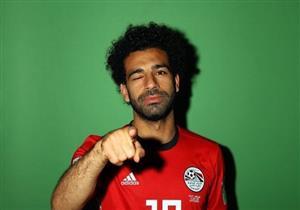 """بالفيديو.. كيف احتفل الجمهور المصري بعيد ميلاد """"صلاح"""" في مباراة مصر والأوروجواي؟"""