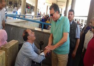 جولة ميدانية لوزير النقل في محطة مصر والمترو والمراكب النيلية