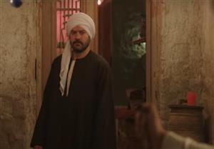 """عمرو يوسف: منعت """"كندة"""" من الحديث بالسورية في المنزل بسبب """"طايع"""""""