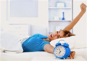 للنساء.. الاستيقاظ مبكرا يجنبك الإصابة بمرض نفسي شائع
